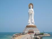 statue-207471_1280